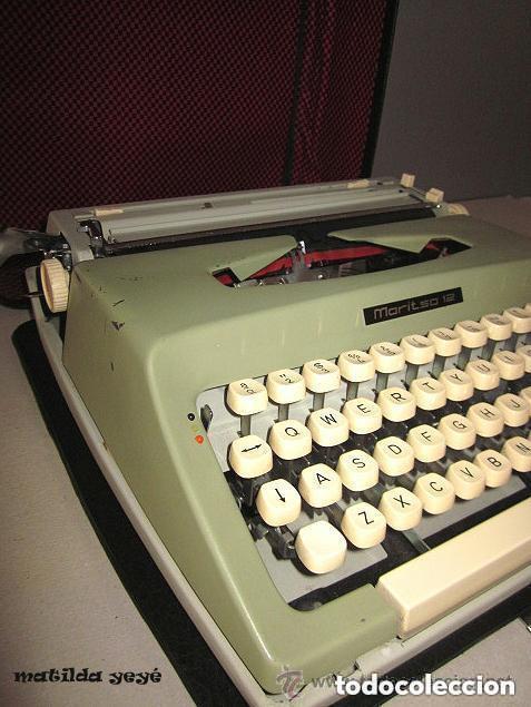 Antigüedades: Máquina de escribir Maritsa 12 Made in Bulgaria tonos verdes con estuche original - Foto 2 - 86823212