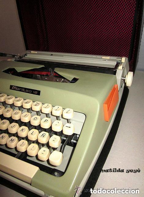 Antigüedades: Máquina de escribir Maritsa 12 Made in Bulgaria tonos verdes con estuche original - Foto 3 - 86823212