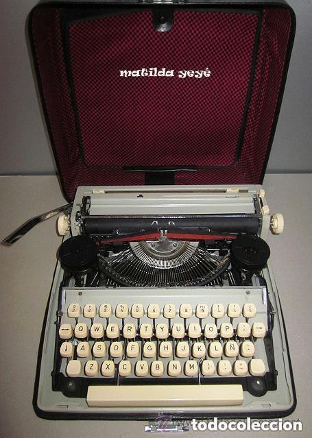 Antigüedades: Máquina de escribir Maritsa 12 Made in Bulgaria tonos verdes con estuche original - Foto 4 - 86823212