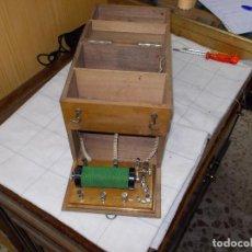 Antigüedades: APARATO DE DAR CORRIENTES?. Lote 86939212