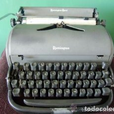 Antigüedades: MAQUINA DE ESCRIBIR REMINGTON CON MALETA TECLADO ESPAÑOL , FUNCIONANDO.. Lote 87128188