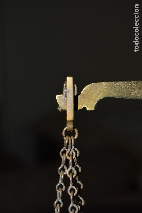 Antigüedades: Magnífica y antigua balanza de farmacia, ¨PHILIPS HARRIS´ bronce, marfil y caoba, 1865. - Foto 12 - 87343088
