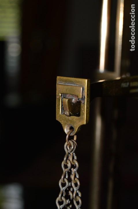 Antigüedades: Magnífica y antigua balanza de farmacia, ¨PHILIPS HARRIS´ bronce, marfil y caoba, 1865. - Foto 14 - 87343088