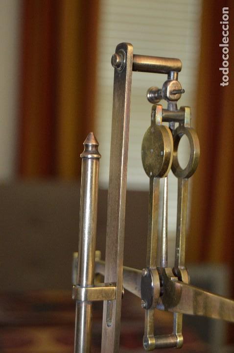 Antigüedades: Magnífica y antigua balanza de farmacia, ¨PHILIPS HARRIS´ bronce, marfil y caoba, 1865. - Foto 27 - 87343088