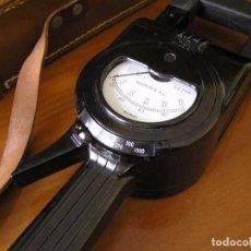 Antigüedades: ANTIGUA PINZA AMPERIMETRICA FERRANTI CLIP-ON AMMETER DE BAQUELITA CON FUNDA AMPERIMETRO. Lote 87406724