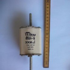 Antigüedades: FUSIBLE MICAR MH-2 200A 500V. 200 AL. MADE IN SPAIN. CARTUCHO CERÁMICO. Lote 87474512