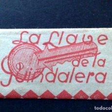 Antigüedades: HOJA DE AFEITAR ANTIGUA-FERRETERIA-LA LLAVE DE LA GUINDALERA-MADRID-VINTAGE. Lote 87535248