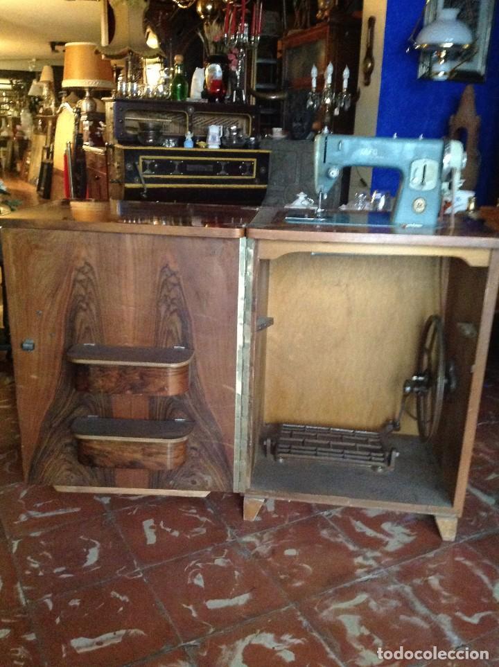 Antigüedades: Máquina de coser Alfa con el cabezal y mueble - Foto 2 - 87537536