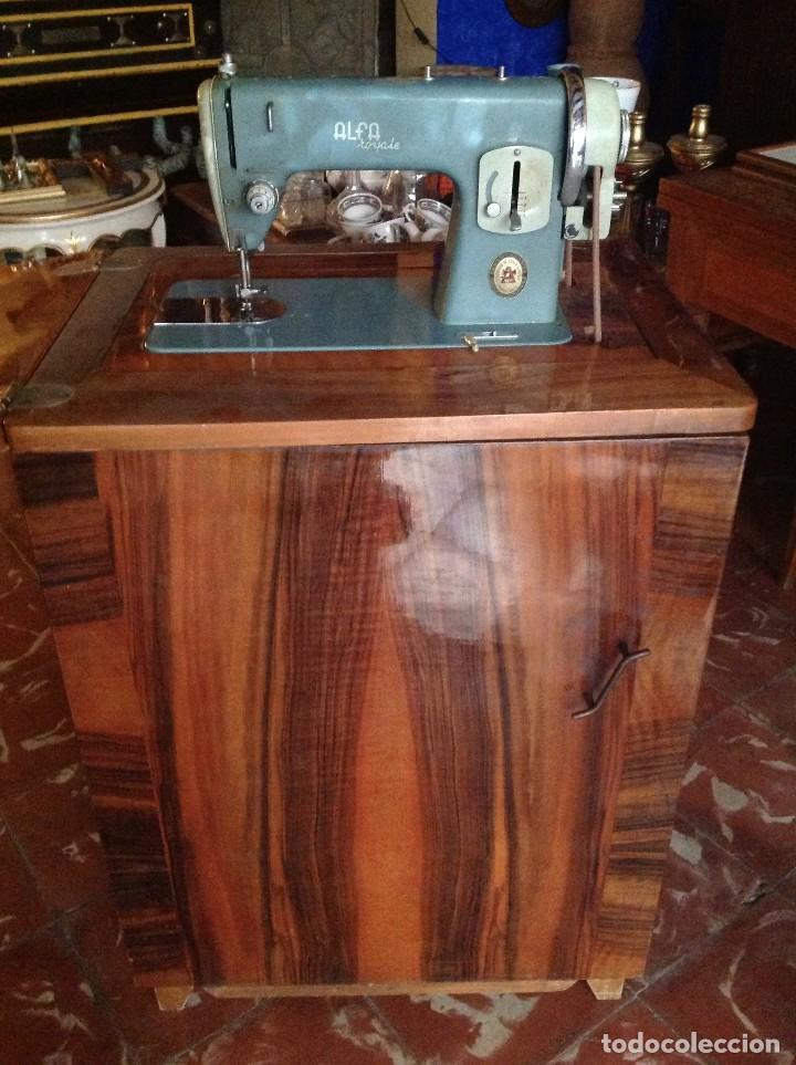Antigüedades: Máquina de coser Alfa con el cabezal y mueble - Foto 4 - 87537536