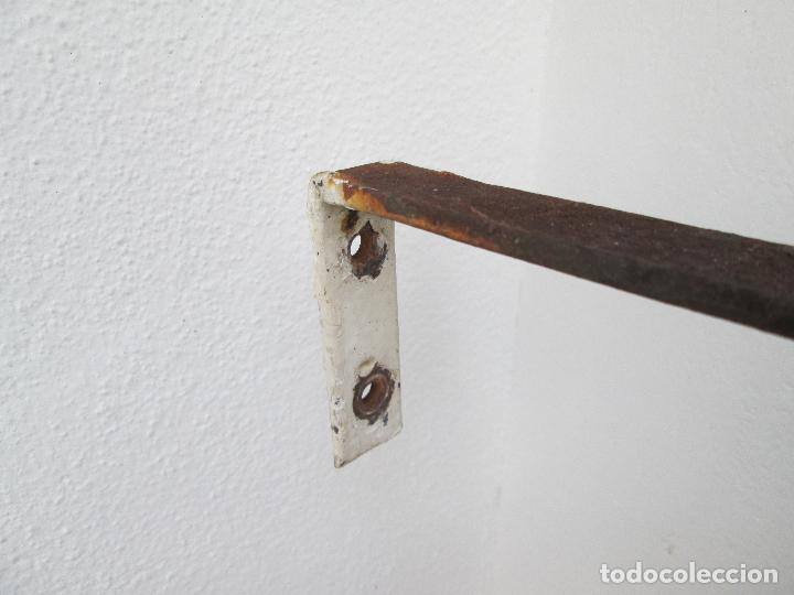 Antigüedades: Bonito Antepecho de forja remachada. Años 40. - Foto 6 - 87612716