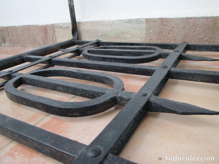 Antigüedades: Bonito Antepecho de forja remachada. Años 40. - Foto 8 - 87612716