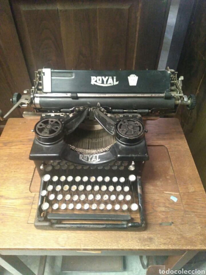 ANTIGUA MAQUINA DE ESCRIBIR ROYAL (Antigüedades - Técnicas - Máquinas de Escribir Antiguas - Royal)
