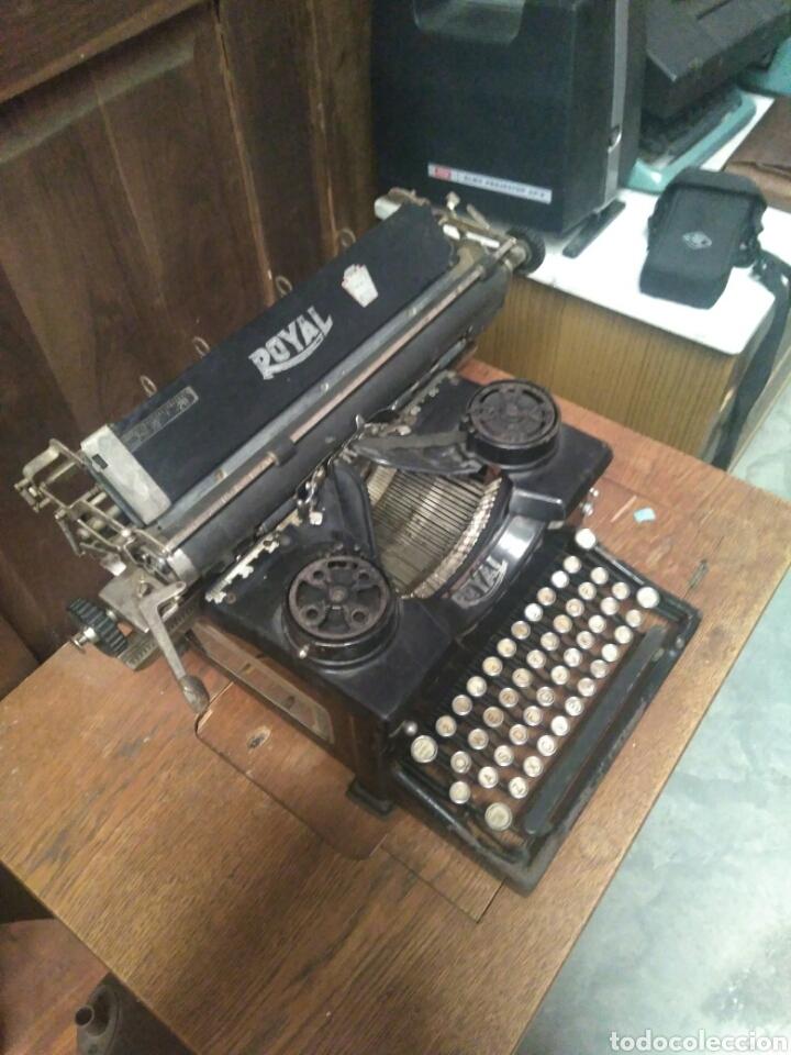 Antigüedades: Antigua maquina de escribir royal - Foto 2 - 88313246