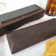Antigüedades: VIEJA PIEDRA DE AFILADO PARA FORMONES Y HERRAMIENTAS DE CORTE:. Lote 88736324