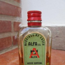 Antigüedades: ANTIGUO FRASCO DE ACEITE ESPECIAL PARA MAQUINAS DE COSER ALFA.. Lote 88751260