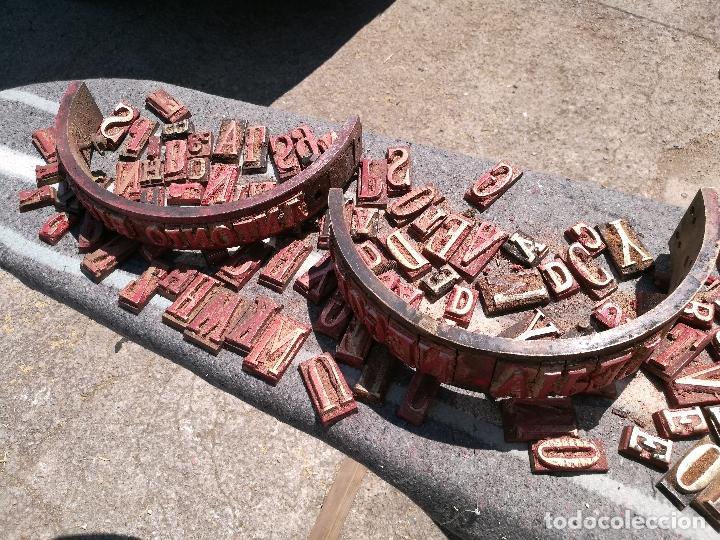 Antigüedades: TROQUELES DE ESTAMPACION ESTAMPAR LOGO CAJAS DE MADERA -2 JUEGOS COMPLETOS -FLIX--TARRAGONA-REF-PEÑ1 - Foto 4 - 88755264