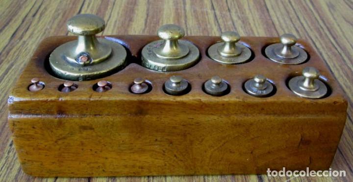 JUEGO DE PESAS COMPLETO -- ESTA EN PERFECTO ESTADO (Antigüedades - Técnicas - Medidas de Peso Antiguas - Otras)