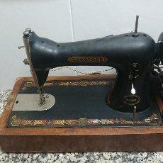 Antigüedades: ANTIGUA MAQUINA DE COSER HEXAGONO MARCA SINGER CON MOTOR. Lote 89031316