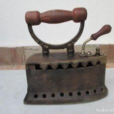 Antigüedades: PLANCHA ANTIGUA DE CARBON, U.C ESPAÑA.. Lote 89207744