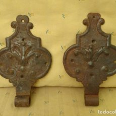 Antigüedades: PAREJA DE GRANDES BISAGRAS DECORADAS, SIGLO XVIII, HIERRO FORJA BISAGRA. Lote 89314832