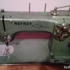 Antigüedades: MÁQUINA DE COSER REFREY. Lote 90067600