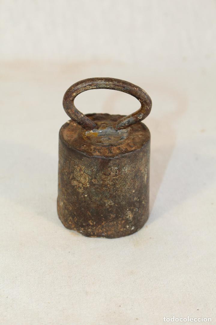 Antigüedades: pesa ponderal en hierro de 1kg. - Foto 4 - 90761685