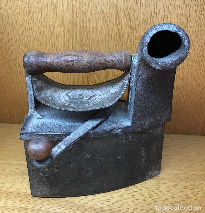 ANTIGUA PLANCHA DE CARBÓN - LYNG - LA ESPERANZA (Antigüedades - Técnicas - Planchas Antiguas - Carbón)