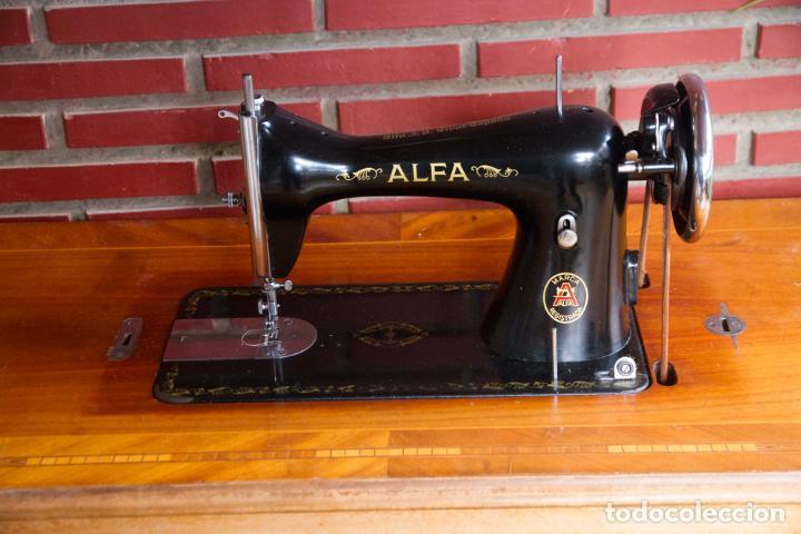 maquina de coser alfa modelo 20 con mueble más - Comprar