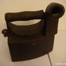 Antigüedades: PLANCHA ANTIGUA DE CARBON MARCA LING LA ESPERANZA (#). Lote 91396780
