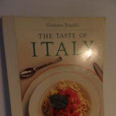 Antigüedades: TASTE OF ITALY , GIULIANO BUGIALLI, PHOTOGRAPHS BY JOHN DOMINIS, 1988 , COCINA ITALIANA EN INGLES. Lote 91654285