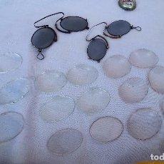 Antigüedades: PAREJA DE CENTENARIAS GAFAS. LENTES DE ÉPOCA. HUNDREDS OF GLASSES. EYE LENSES:. Lote 91716180
