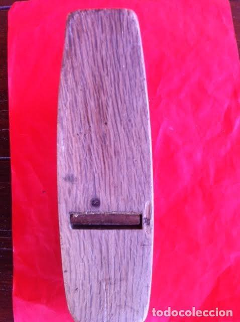 Antigüedades: Antigua garlopa, ribot, de carpintero, letras MARCA Y DIBUJO MARTILLO, MADERA MACIZA. - Foto 5 - 91724335