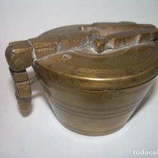 Antigüedades: ANTIGUOS PONDERALES PARA PESAR POLVO DE ORO..CON CONTRASTES.. Lote 91758930