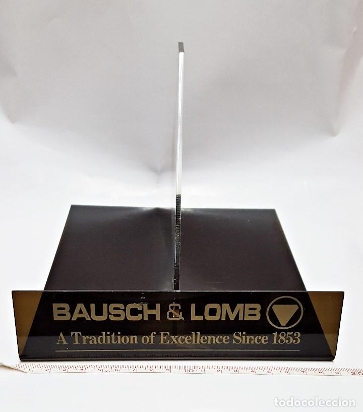 SOPORTE EXPOSITOR PARA PRISMATICO GRANDE, MARCA BAUSCH & LOMB (Antigüedades - Técnicas - Otros Instrumentos Ópticos Antiguos)