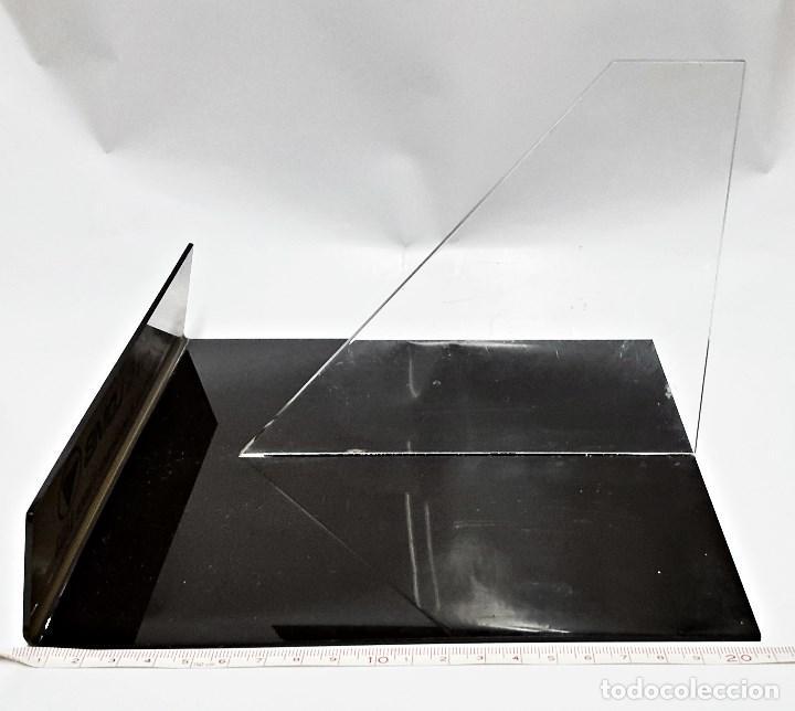 Antigüedades: Soporte Expositor para prismatico grande, marca BAUSCH & LOMB - Foto 2 - 91920365