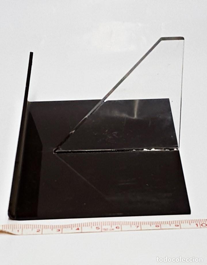 Antigüedades: Soporte Expositor para prismatico pño., marca BAUSCH & LOMB - Foto 2 - 91920820