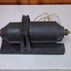 Antigüedades: ANTIGUA LINTERNA MAGICA ELECTRICA. Lote 92096315