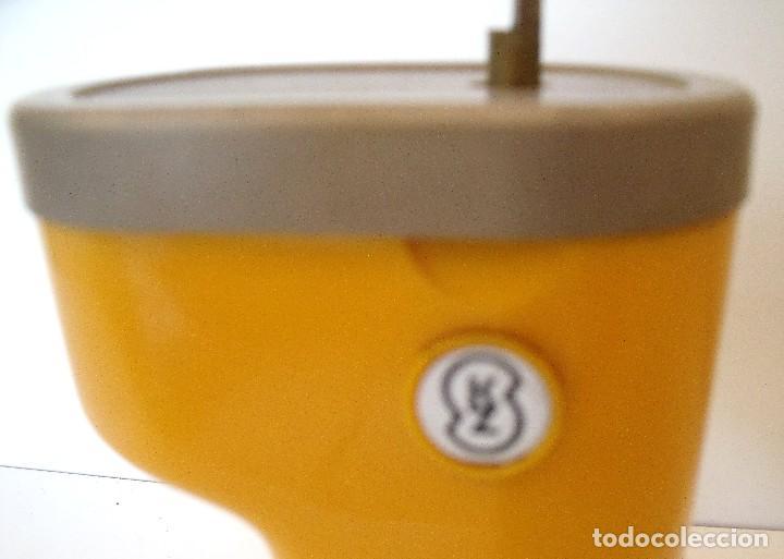 Antigüedades: MOLINILLO DE CAFÉ, DE VIAJE, MARCA LODOS LTD. MODELO TRAMP. CHECOSLOVAQUIA. CA. 1950/60 - Foto 17 - 84006832