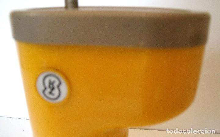 Antigüedades: MOLINILLO DE CAFÉ, DE VIAJE, MARCA LODOS LTD. MODELO TRAMP. CHECOSLOVAQUIA. CA. 1950/60 - Foto 18 - 84006832