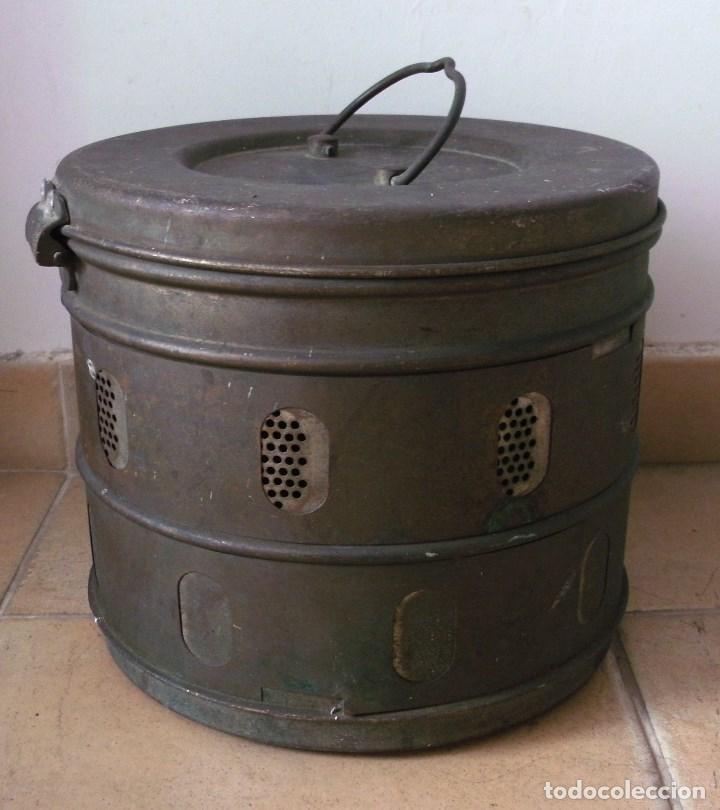 Antigüedades: bote grande con ventilacion, problemente para medico (28x24cm aprox) - Foto 5 - 92692175