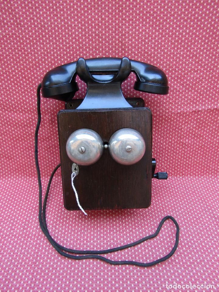 ANTIGUO TELEFONO BELGA DE MADERA Y BAQUELITA, FABRICADO EN 1948, BUENA CONSERVACION. (Antigüedades - Técnicas - Teléfonos Antiguos)