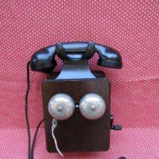 Teléfonos: ANTIGUO TELEFONO BELGA DE MADERA Y BAQUELITA, FABRICADO EN 1948, BUENA CONSERVACION.. Lote 185740775