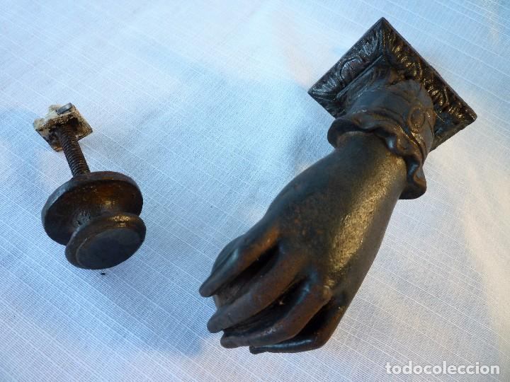 Antigüedades: MUY ANTIGUA ALDABA DE HIERRO CON SU TOC TOC. FUNDIDA EN ELORRIO VIZCAYA AÑOS 40-50 PERFECTO ESTADO - Foto 5 - 92805575