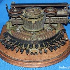 Antigüedades: (M) MAQUINA DE ESCRIBIR ANTIGUA MARCA HAMMOND TYPE WRITER , VER FOTOGRAFIAS ADICIONALES. Lote 92815820