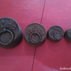 Antigüedades: ANTIGÜO JUEGO 4 PESAS PESOS PONDERALES HIERRO S. XVIII 1 KG , 1)2KG. 200 GM. 100 GM.. Lote 92920300
