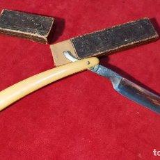 Antigüedades: NAVAJA DE AFEITAR SOLINGEN EN MUY BUEN ESTADO CON FUNDA ORIGINAL. Lote 92936795