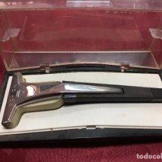 Antigüedades: MAQUINILLA DE AFEITAR SCHICK BAND RAZOR. Lote 95183619