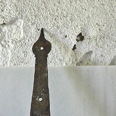 Antigüedades: ANTIGUA BISAGRA DE FORJA DE 3 AHUJEROS. Lote 93367730