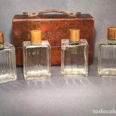 Antigüedades: ESTUCHE CUERO BARBERO CON BOTELLAS DE COLONIA. MUY ANTIGUO. MARAVILLOSA PIEZA. LEATHER CASE.. Lote 93395090