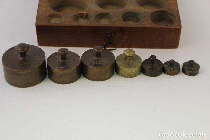Antigüedades: juego de 7 pesas - ponderales en bronce pesas en bronce grabadas - Foto 2 - 95722638